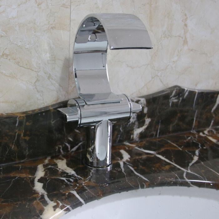 Купить Двойной Ручки Водопад Палуба Гора Бассейна Кран Chrome Латунь Ванной Горячей и Холодной Воды Смесители