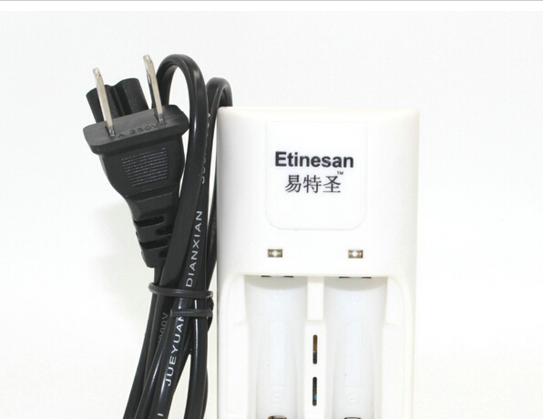 Dedicated 14500 aa / 10440 aaa 3.2V Li-ion LiFePO4 Rechargeable Battery Charger(China (Mainland))