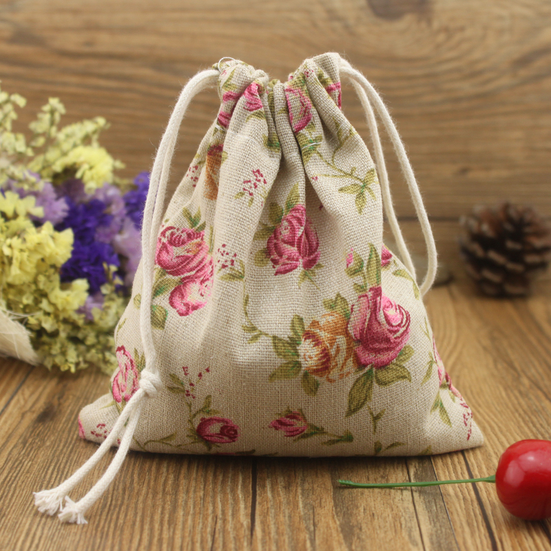 2016 New Vintage Red Rose Cotton Storage Bag for Sundries / Retro Draw Cord Linen Small Candy Bags for Girls Cotton bag(China (Mainland))