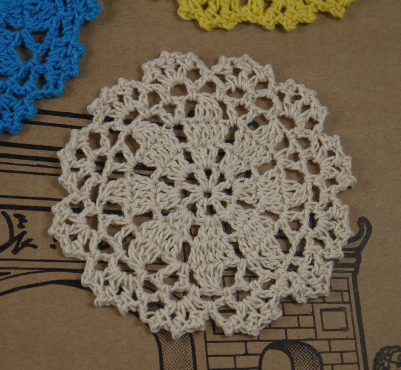 Free shipping wholesale Crochet Doilies 50 Piece Round Cup Mat Pad 8-10cm Coaster Placemats(China (Mainland))