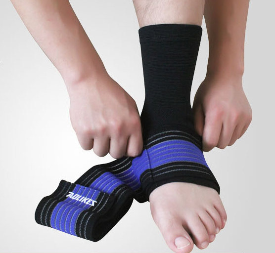 how to put on a velcro ankle brace