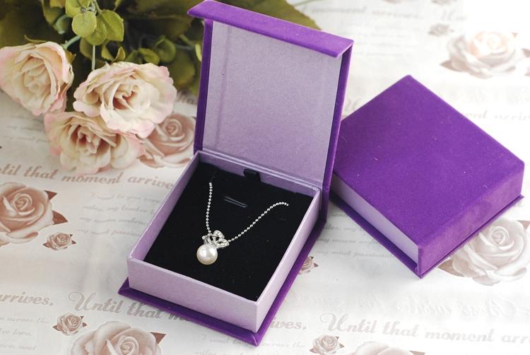 2015 Hot Sale High Quality 1pcs/lot 8.3*7.2*2.7cm Purple Jewelry Display Storage Box Velvet Jewellery Pendant Gift Box(China (Mainland))