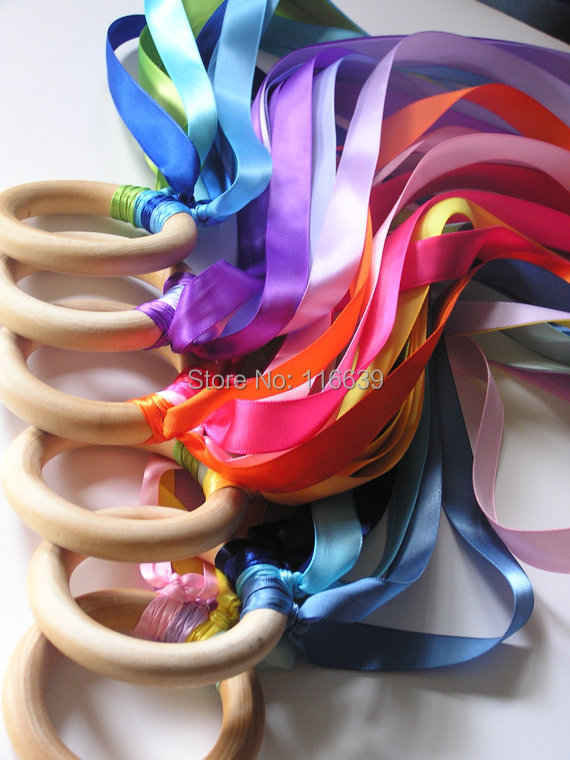 12 Pieces/Lot Personalized Wooden Ring Waldorf Ribbon Hand Kite Toy FLY ME Birthyday Party Favors(China (Mainland))