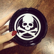 2016 New Japan Style Skull Derivatives LOGO Creative Smoking Gift Round Ceramic Fashionable Ashtray(China (Mainland))