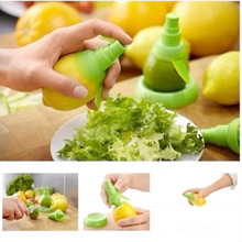 Citrus Sprayer Fruit Lemon Lime Orange Mist Sprinkling Extractor Juice Spritzer cooking Tool free shipping(China (Mainland))