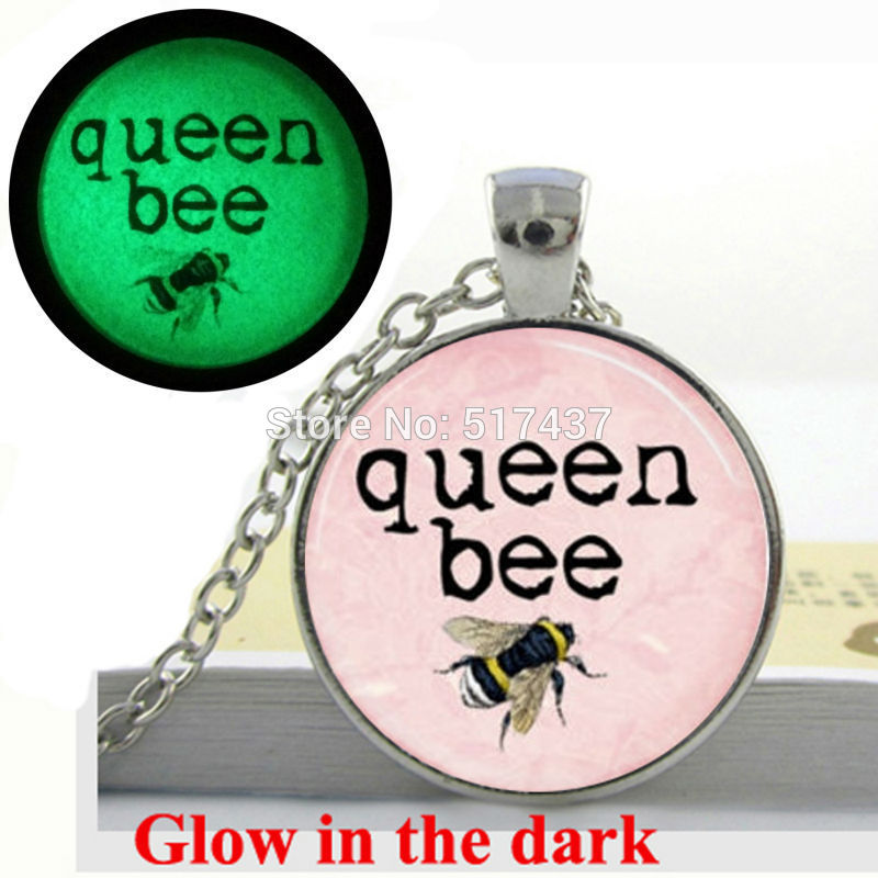 Glow in the Dark Queen Bee Necklace Honey Bee Bumblebee Insect Light Pink art photo glass cabochon necklace glowing jewellery(China (Mainland))