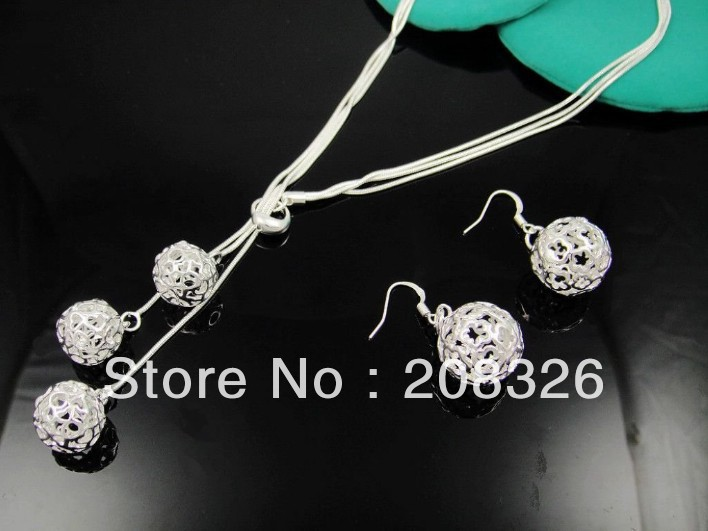 TS13 Free Shipping,wholesale jewelry set,fashion christmas jewellry,Nickle free antiallergic ,wholesale prices, ball necklace(China (Mainland))