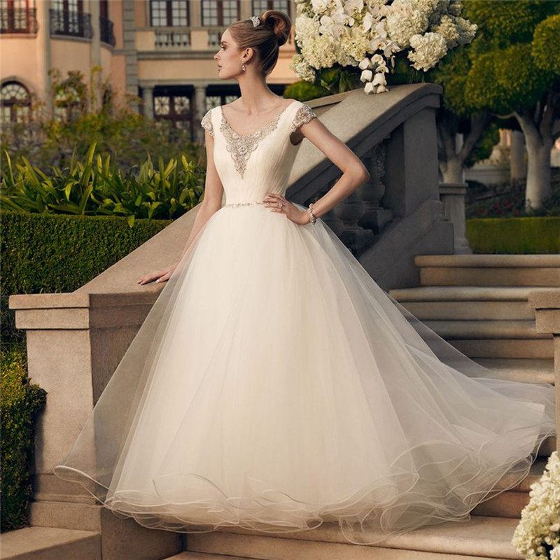 Ball Gown Wedding Dresses Long Trains : Vintage wedding dress princess luxury beaded v neck