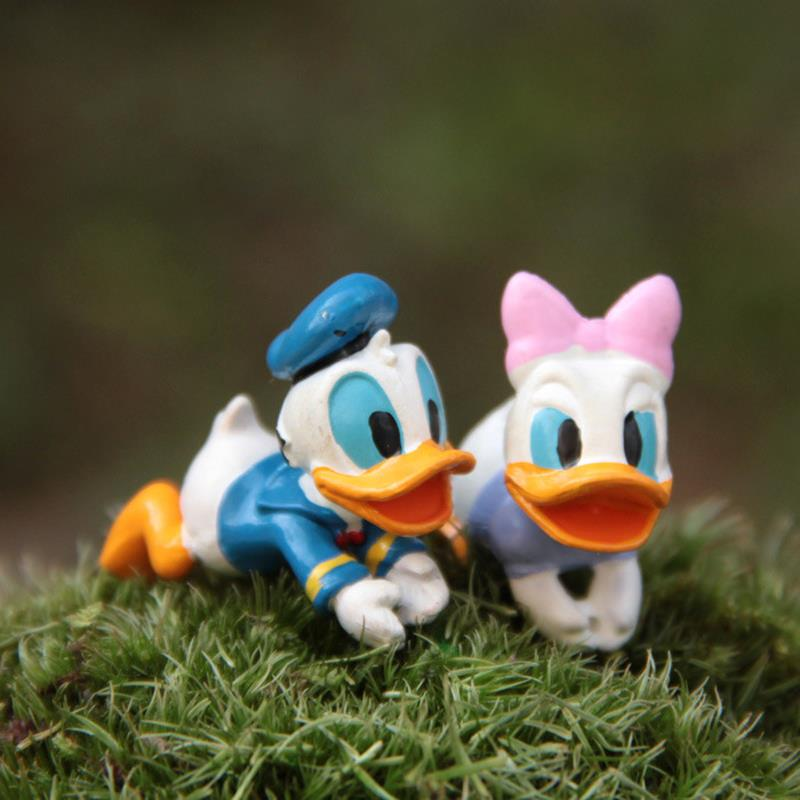Donald Duck Mini Figures DIY Lovers Donald Duck & Daisy Duck PVC Action Figure Toys Doll Collection Model Toy for Home Decor(China (Mainland))