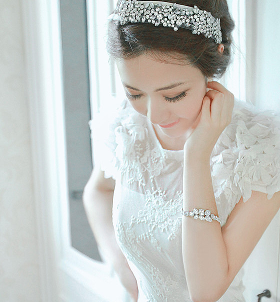 Headbands Ornament 2014 New Style Full Acrylic Crystal Tiara Flower Wedding Hairpins Bridal Hair Combs Retail