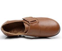 2018 Vrouwen Flats Schoenen Lederen Moeder schoenen Comfortabele Causale Mocassins Schoenen Plus Size 35-43(China)