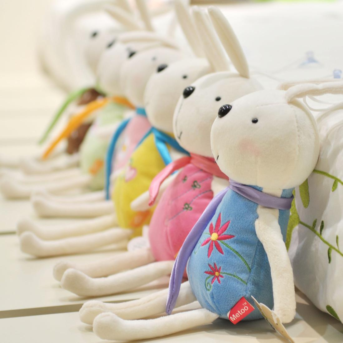 Free shipping 22cm Children's toys Rabbit car hangings plush toy doll rabbit cupsful belt wedding gift 6 pcs/lot(China (Mainland))