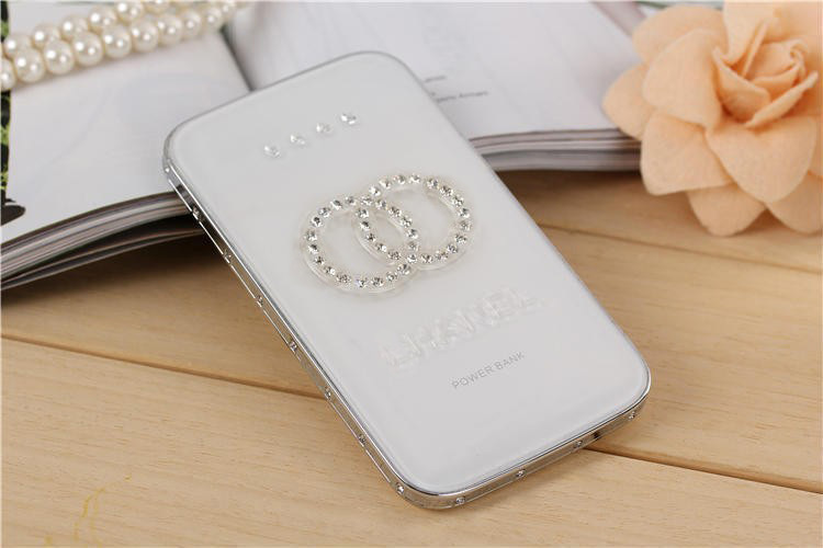 Universal 8800mAh super thin ultraslim CC Power Bank with crystal diamond Rhinestones Mobile Chargers For Iphone6 Android(China (Mainland))