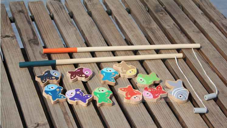 Wooden magnetic fishing toy with 11 fish and 2 fishing rods gift for kis and children Learning & education toys Free shipping(China (Mainland))