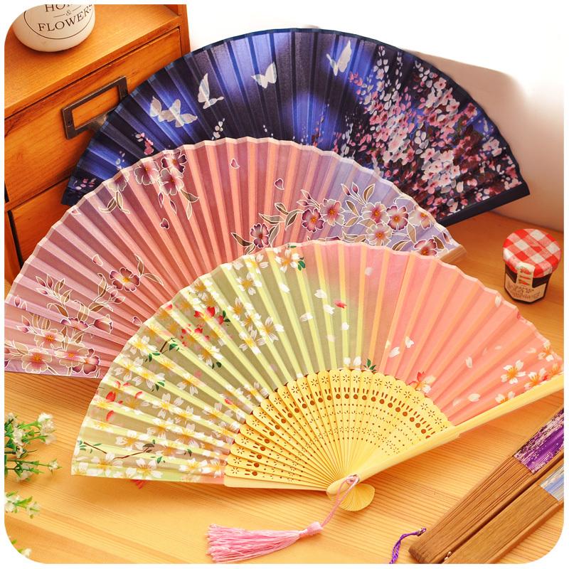 Japanese Style Handcraft Colorful Bamboo & Silk Folding Fan With the Fallen Sakura Flowers(China (Mainland))