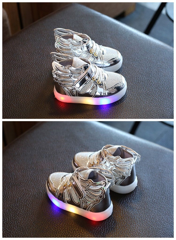 Spring and Autumn in 2017 flashing flashing shoes children 's wings children' s shoes sports shoes student shoes led men and gir
