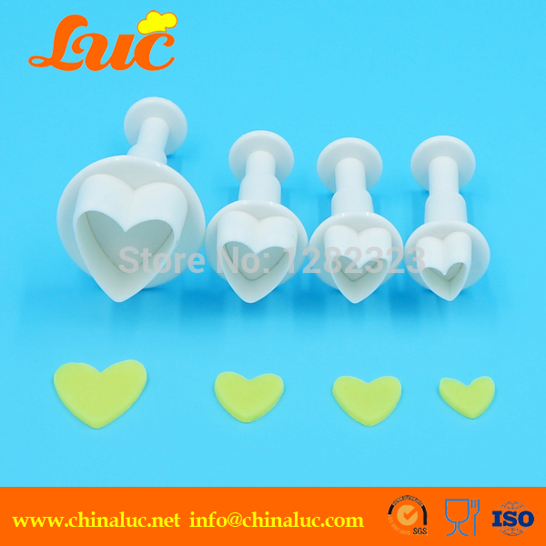 LFC0001 Professional cake decorating tools maker new design 4-piece set heart plastic plunger cutter fondant tools(China (Mainland))