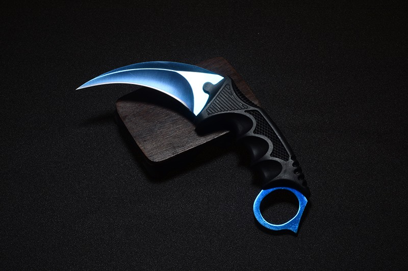 Survival karambit cs go Game Claw Knife Outdoor Hunting camping travel Tactical Fighting counter strike pocket knives tools
