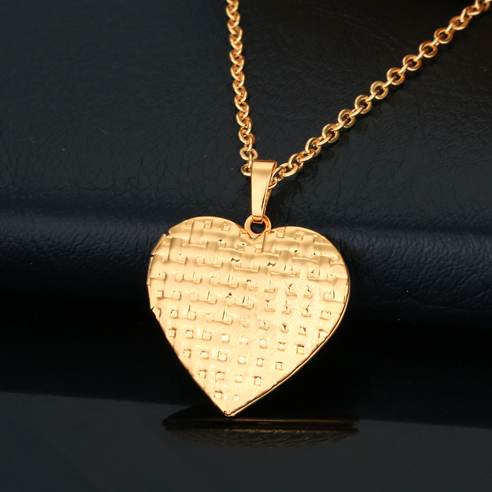 18K Real Gold Necklace Women Jewelry Free Shipping Locket Romantic Heart Necklaces Pendants Can open installation photos 7B-P304(China (Mainland))