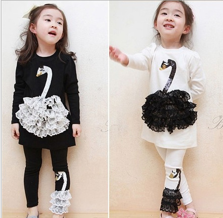 children autumn clothing swan applique lace round neck suits with pants girls sets free shipping(China (Mainland))