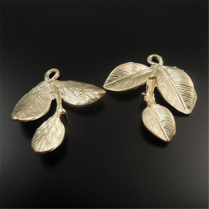 30PCS Raw Gold Tone Three leaves/leaf Alloy Charm Pendants 24*24*3MM(China (Mainland))