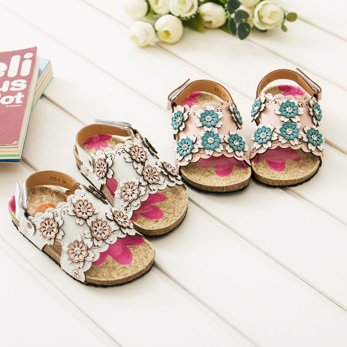 Children sheos new summer style open toe flowers baby girls leather shoes sandals flat with embroidered child sandals kids shoes(China (Mainland))