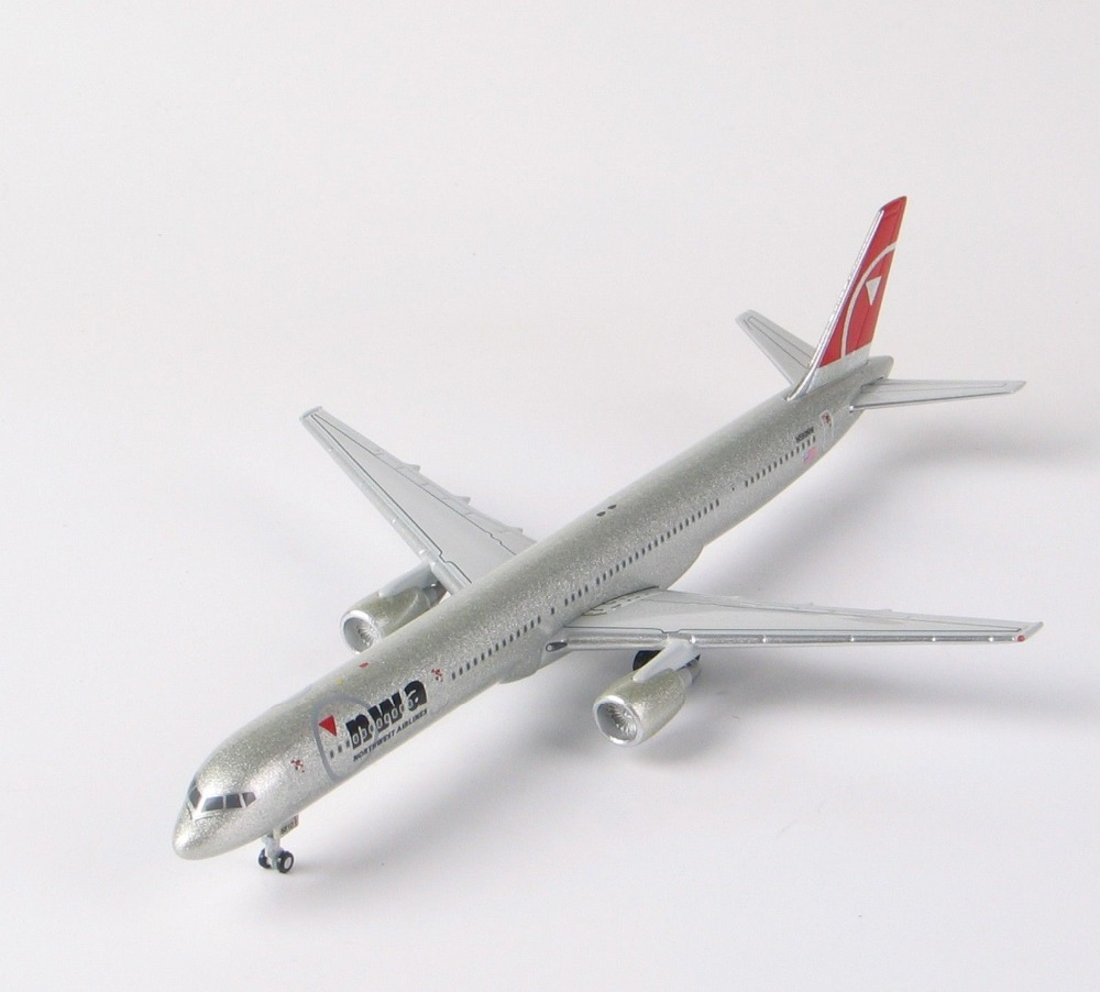 Collectible StarJets 1:400 Model Ariplane NWA Smile Face on Spoiler Northwest Airlines Diecast Aircraft Maquetas De Aviones(China (Mainland))