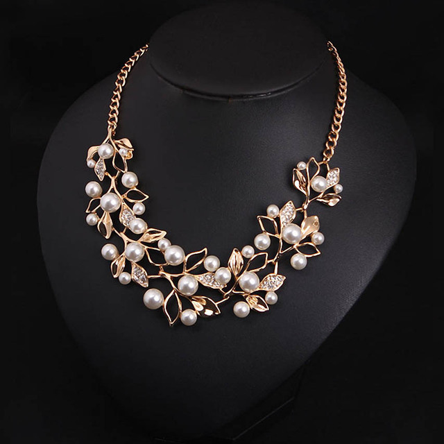 Pearl Necklace with Gold Plated Leaves