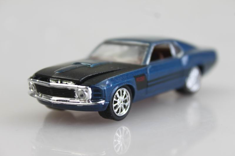 blue Metal chassis M2 1/64 1970 Mustang alloy car models Matt black modified cars(China (Mainland))