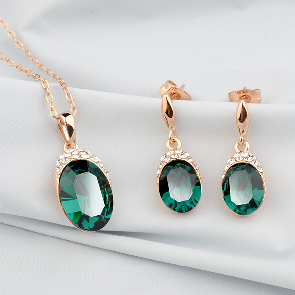 Trendy flash CZ diamond inlay high quality Austrian green crystals necklace and earrings sets,luxury women's jewelry set.(China (Mainland))