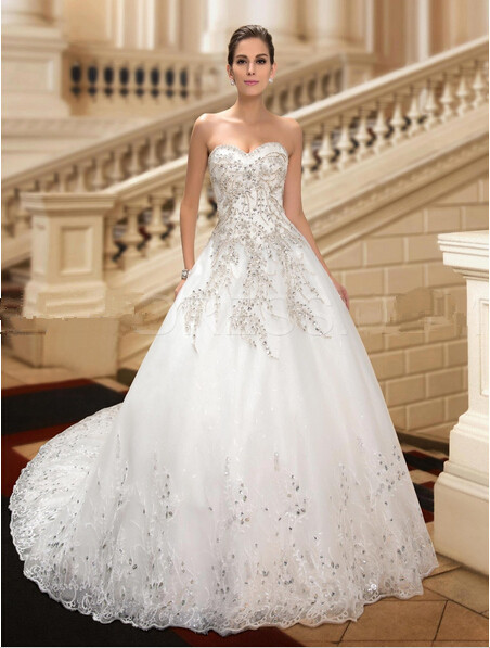 Best Wedding: sparkely plus size bridal gowns