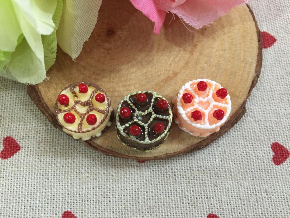 Free shipping! mixed colors. very hot and kawaii cakes Resin Flatback Cabochon for phone decoration,DIY 11*16mm(China (Mainland))