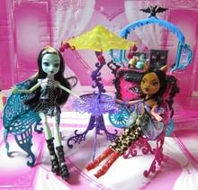 Moda muñeca monstruo plástico accesorios de viaje mesa / silla / banco / paraguas muebles juguetes Set para 1/6 Doll envío gratis