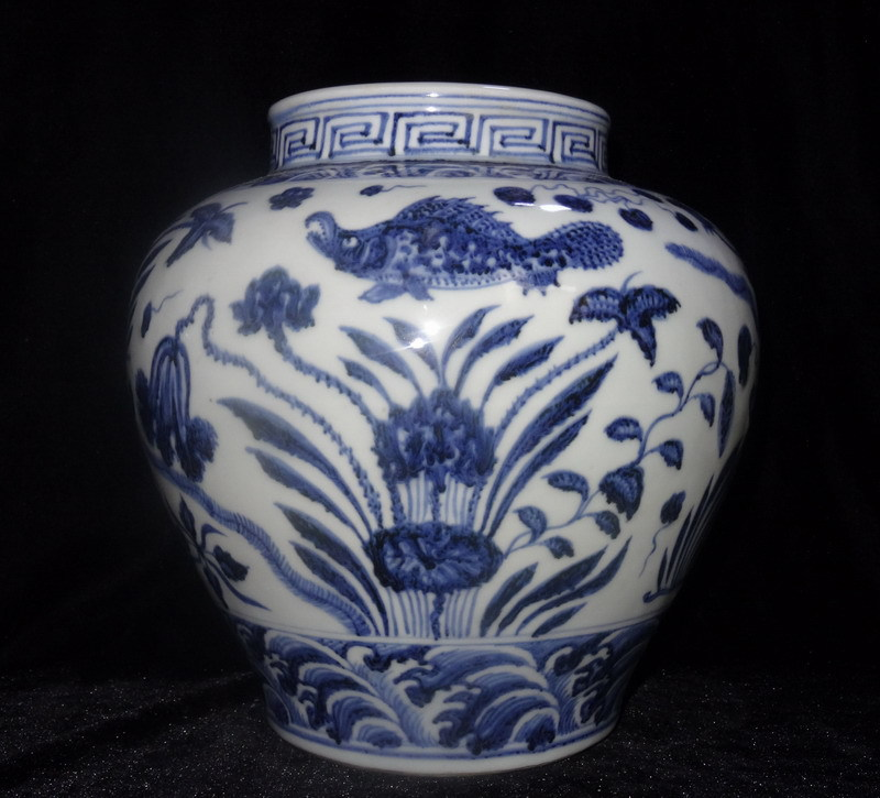 Ming Dynasty XuanDe blue and white porcelain demersum jar vase chinese old antique vase plate jar bowl(China (Mainland))