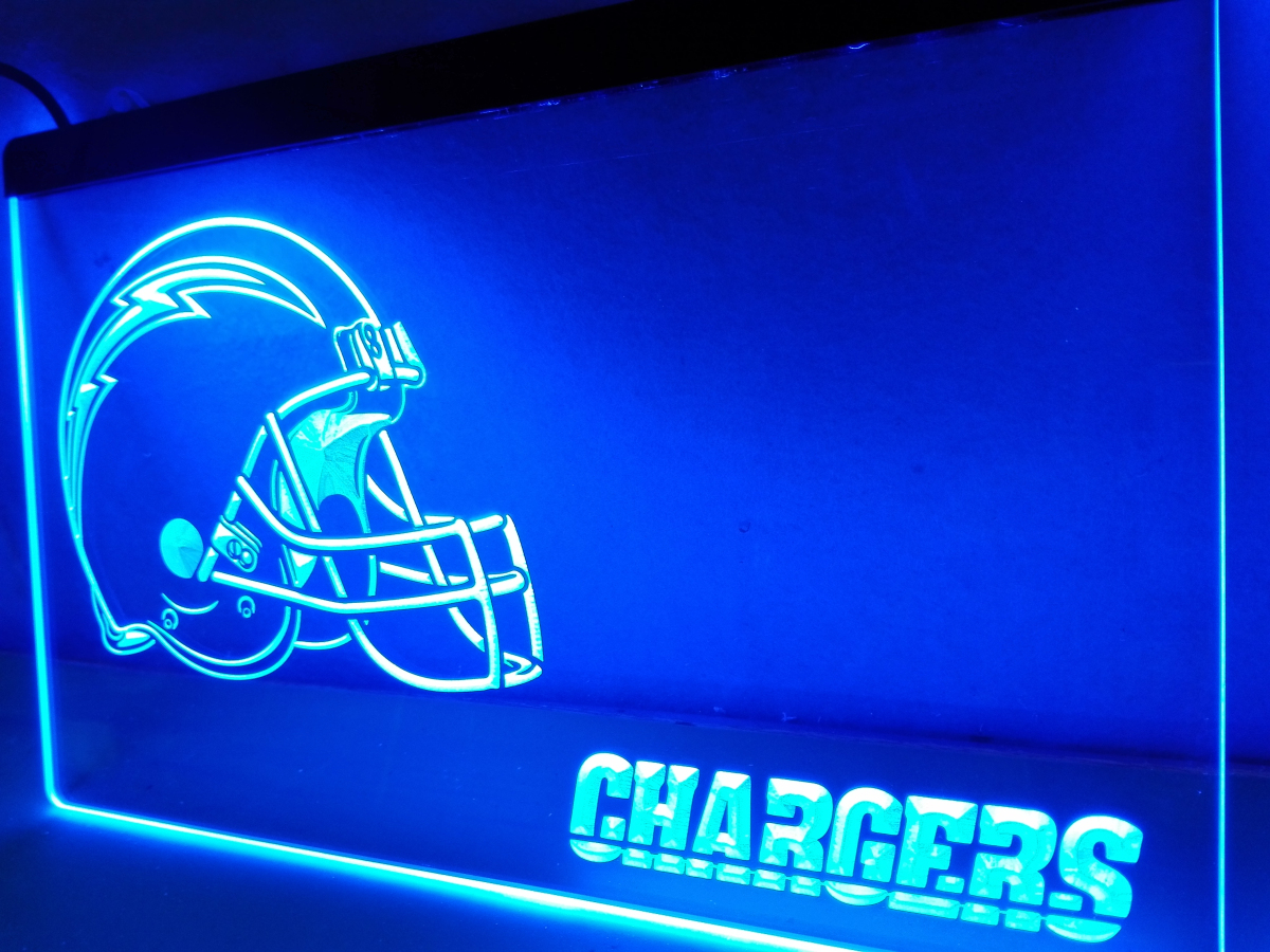 Ld334 chargers helmet led neon light sign home decor for Room decor neon signs