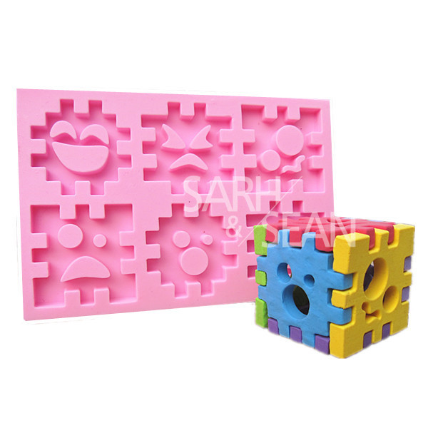 M0818 Cartoon Building Blocks Smile combination fondant cake molds soap chocolate mould for the kitchen baking(China (Mainland))
