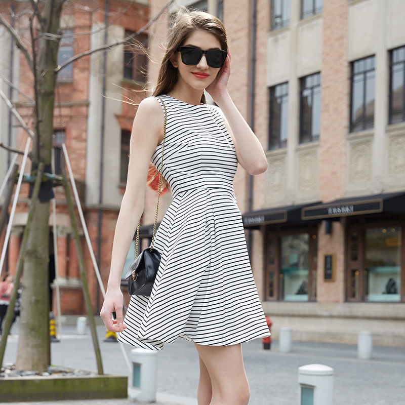 Veri Gude 2015 Summer Style Fit and Flare Striped Dress Casual Sleeveless Above Knee(China (Mainland))