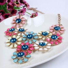 2014 New Arrival Vintage Jewlery Simple Temperament And Fashion Jewelry Resin Crystal Flower Necklace For Women