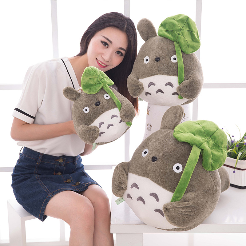 TV Movie Character 20cm Lovely Plush Toy My Neighbor Totoro Plush Toy Cute Soft Doll Totoro with Lotus Leaf Kids Toys Cat Gift(China (Mainland))