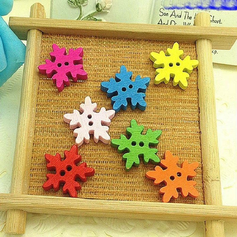 50pcs Snowflake Shape Buttons 2 Holes Wooden Buttons Sewing Buttons Craft Scrapbooking Clothing Accessories Fashion(China (Mainland))