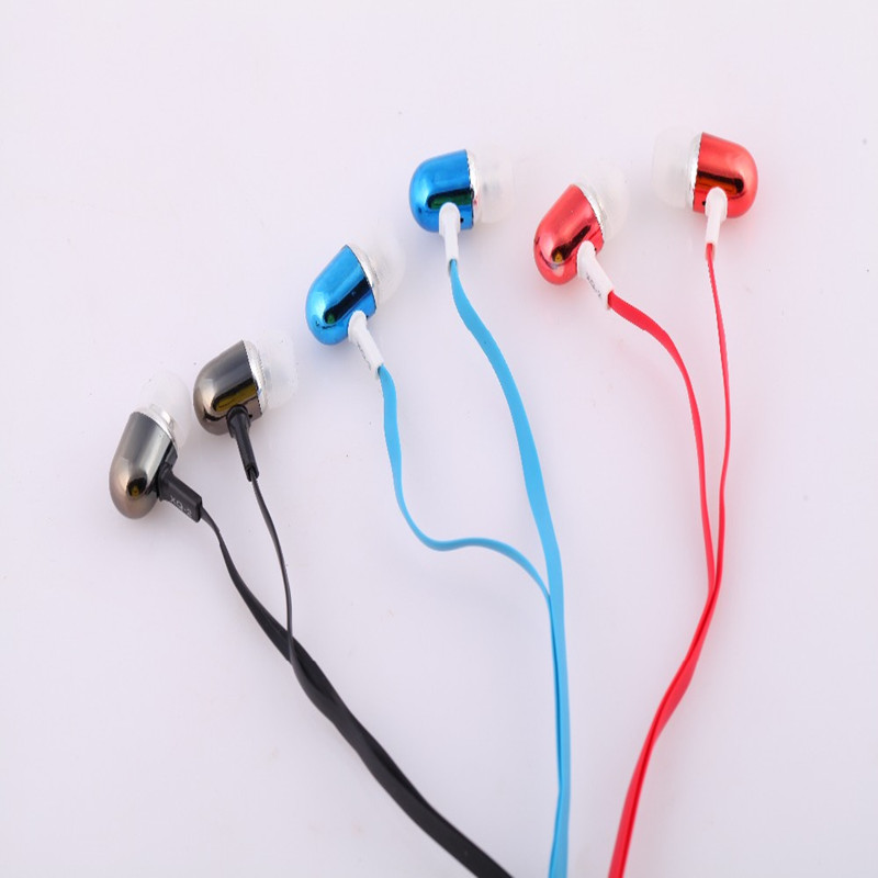 2016 New Brigh Metal Stereot 3.5mm In-Ear Cloth Wire Headset Earphone For Mp3/4 Iphone Samsung Xiaomi Mobile Phone(China (Mainland))