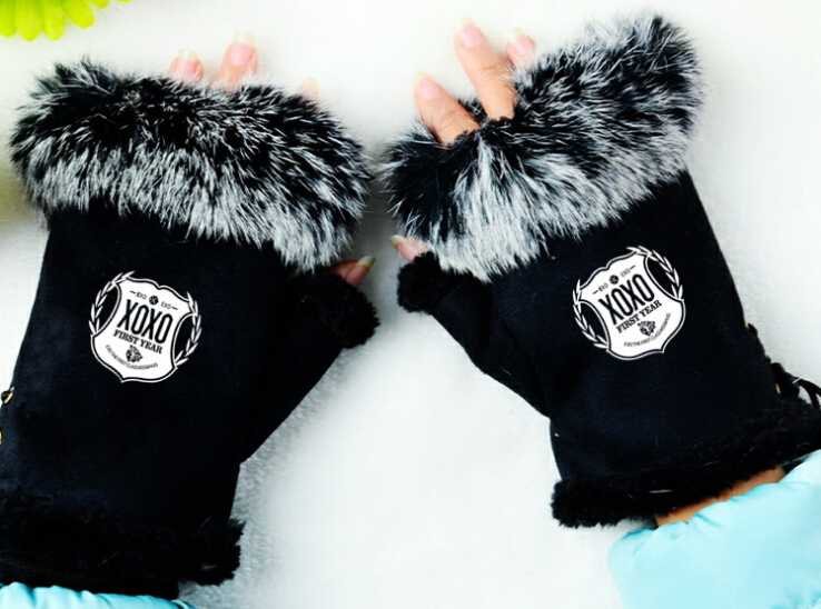 Exo xoxo shield printing fashion gloves for men women winter cony hair mittens quality warm fingerless women gloves(China (Mainland))