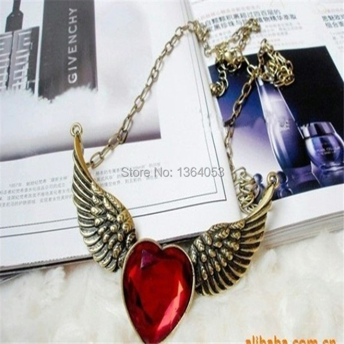 Free Shipping European Stylish Red Rhinestone Antique Gold Plated Angel Wings Love Heart Necklace(China (Mainland))