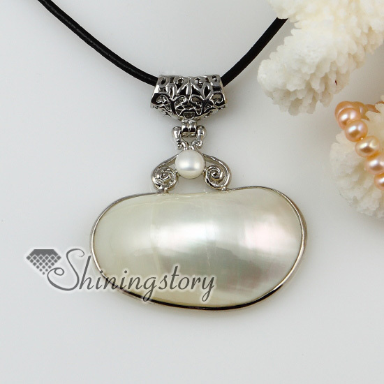 oval seashell mother of pearl oyster sea shell and pearl silver filled brass pendant necklaces 2013 cheap handmade jewelry(China (Mainland))