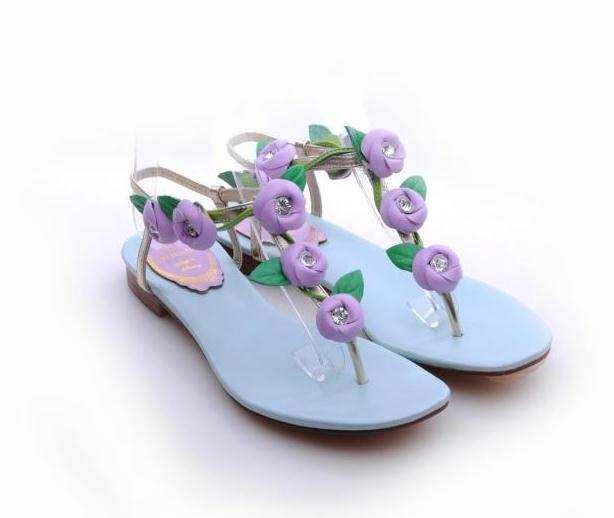 Фотография Small Size 33 34 42 Plus Size Women Summer Flats Girls Flowers Rhinestone Sandles Student Genuine Leather Flip Flops Lady Buckle
