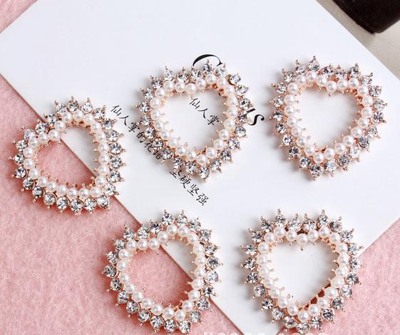 50 pcs métal boutons coeur perles de diamants boucle strass perle bouton Invitation de mariage embellissement Scrapbooking rond de serviette(China (Mainland))