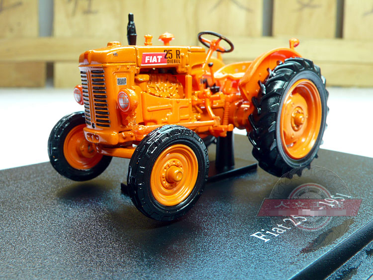 UH 1:43 Fiat 25R 1951 alloy model tractor Rare collection model(China (Mainland))