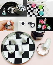 Chess Board Magnetic Nail Tip Crystal Stand 10 Pcs Set Luxury Salon Display Holder(China (Mainland))
