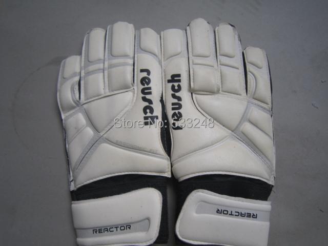 Top quality white goalkeeper gloves/soccer gloves/football goalkeeper gloves/Reusch double faced latex quality goalkeeper gloves(China (Mainland))