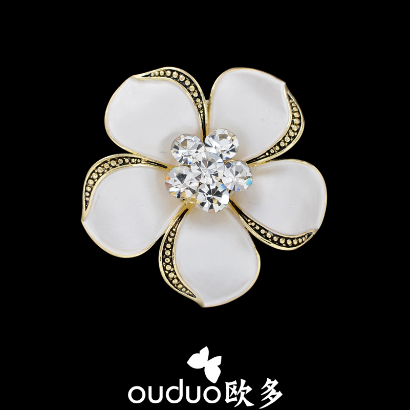 2015 Broches Broche Brooch Igh-grade Pure Gardenia Flower Scarf Buckle Crystal Drilling Harajuku Corsage Alloy Female Ornaments(China (Mainland))